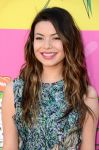 Celebrities Wonder 99739139_miranda-cosgrove-kids-choice-awards-2013_7.jpg