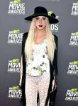 Celebrities Wonder 13391447_kesha-mtv-movie-awards-2013-red-carpet_3.jpg
