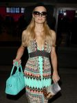 Celebrities Wonder 16875287_paris-hilton-airport_4.jpg