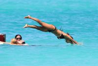 Celebrities Wonder 27893008_nicole-richie-bikini_7.jpg