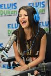 Celebrities Wonder 3130141_selena-gomez-Elvis-Duran-z-100-Morning-Show_4.jpg