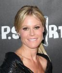 Celebrities Wonder 31530345_LA-Modernism-show_Julie Bowen.jpg