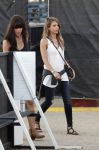 Celebrities Wonder 33065159_jessica-alba-coachella_3.jpg