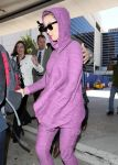 Celebrities Wonder 33438455_katy-perry-lax-airport_3.jpg