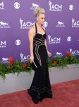 Celebrities Wonder 36033973_kaley-cuoco-48th-Annual-Academy -of-Country-Music-Awards_3.jpg
