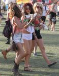 Celebrities Wonder 40376686_vanessa-hudgens-coachella-2013_6.jpg