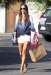 Celebrities Wonder 46256541_alessandra-ambrosio-shorts_1.jpg