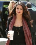 Celebrities Wonder 49191889_selena-gomez_5.jpg
