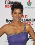 Celebrities Wonder 49397442_halle-berry-the-call-buenos-aires_8.jpg