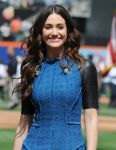 Celebrities Wonder 5321893_emmy-rossum-performs-the-National-Anthem_8.jpg