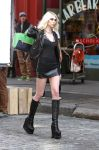 Celebrities Wonder 54892341_taylor-momsen-music-video-set_5.jpg