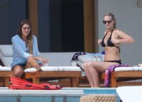 Celebrities Wonder 60480595_molly-sims-bikini_6.jpg