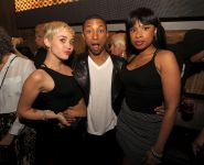 Celebrities Wonder 66186708_miley-cyrus-at-Pharrell-Williams-birthday_6.jpg