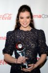 Celebrities Wonder 66440725_2013-CinemaCon-Big-Screen-Achievement-Awards_Hailee Steinfeld 3.jpg