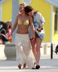 Celebrities Wonder 80634510_hayden-panettiere-miami_5.jpg