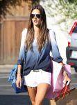 Celebrities Wonder 83551431_alessandra-ambrosio-shorts_5.jpg