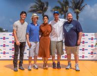 Celebrities Wonder 90883185_summer-of-sony-grown-ups-2_8.jpg