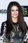 Celebrities Wonder 91155208_2013-NewNowNext-Awards-red-carpet_4.jpg