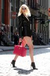 Celebrities Wonder 94191453_taylor-momsen-music-video-set_2.jpg