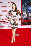 Celebrities Wonder 97150395_Iron-Man-3-premiere-in-Hollywood_Kat Dennings.jpg
