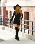 Celebrities Wonder 10255636_blake-lively-set-photoshoot_3.jpg