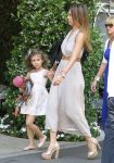 Celebrities Wonder 10269476_jessica-alba-Mothers-Day-Brunch_2.jpg