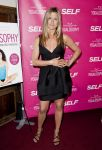 Celebrities Wonder 13758021_SELF-Magazine-celebrates-Yogalosophy_Jennifer Aniston 1.jpg
