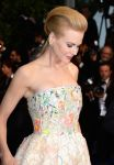 Celebrities Wonder 17044564_nicole-kidman-cannes-opening-ceremony_3.jpg