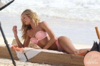 Celebrities Wonder 30635523_Candice-Swanepoel-bikini-photoshoot_4.jpg