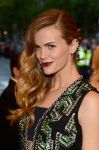 Celebrities Wonder 3246185_brooklyn-decker-met-gala_4.jpg