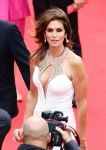 Celebrities Wonder 37634063_cindy-crawford-2013-cannes-opening_6.jpg