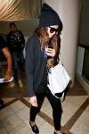 Celebrities Wonder 39818525_selena-gomez-lax-airport_4.jpg