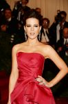 Celebrities Wonder 41034359_kate-beckinsale-met-ball_4.jpg