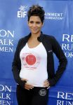 Celebrities Wonder 41448523_halle-berry-revlon-walk_4.jpg