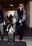 Celebrities Wonder 41830737_jessica-alba-lax-airport_3.jpg