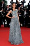 Celebrities Wonder 43880420_zoe-saldana-cannes-blood-ties-premiere_1.jpg