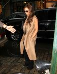 Celebrities Wonder 46685499_victoria-beckham-barneys_3.jpg