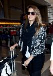 Celebrities Wonder 51140338_jessica-alba-lax-airport_6.jpg