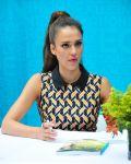 Celebrities Wonder 52849057_jessica-alba-book-signing_3.jpg