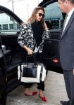 Celebrities Wonder 55392452_jessica-alba-lax-airport_2.jpg