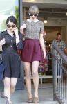 Celebrities Wonder 58279973_taylor-swift-shopping_3.jpg