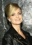 Celebrities Wonder 60509574_Versus-Versace-launch_Mena Suvari 4.jpg