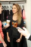 Celebrities Wonder 66763509_jessica-alba-Hosts-Charity-Indoor-Cycling-Fundraiser_5.jpg