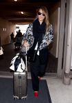 Celebrities Wonder 68285388_jessica-alba-lax-airport_4.jpg