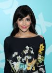 Celebrities Wonder 6880616_2013-FOX-Upfront-party_Hannah Simone 2.jpg