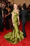 Celebrities Wonder 76978000_uma-thurman-met-gala_2.jpg