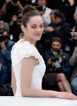 Celebrities Wonder 78830206_marion-cotillard-The-immigrant-photocall-in-Cannes_4.jpg