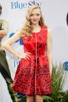 Celebrities Wonder 81758263_amanda-seyfried-epic-screening_4.jpg