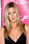 Celebrities Wonder 85496128_SELF-Magazine-celebrates-Yogalosophy_Jennifer Aniston 3.jpg