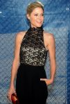 Celebrities Wonder 85952191_USA-Network-2013-Upfront_Julie Bowen 3.jpg
